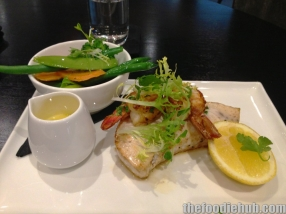 Grilled fish of the day with prawns steamed vegetables