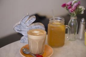 Coffee and lemon iced tea.