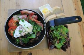 Pan breakfast